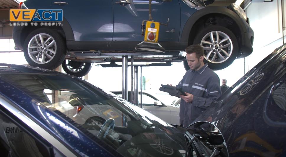 Digitalisierung im Service: VEACT ist Partner der AUTOSERVICETAGE des KFZ-Betriebs